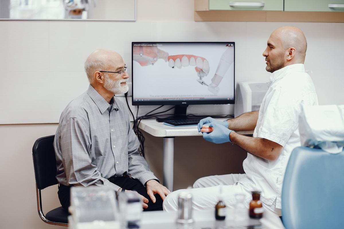 כל מה שרציתם לדעת על השתלת שיניים